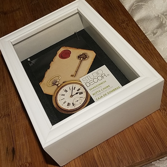 Other - Shadow Box NWOT